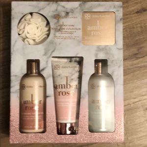 Daisy Fuentes Amber Rose Gift Set